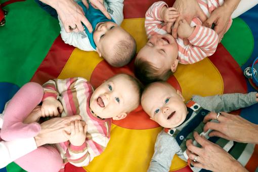 Pekip Spiele für´s erste Babyjahr